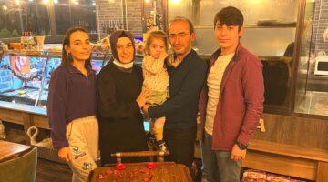 Evliliklerinin 22. yıldönümünü Baytar'da kutladı