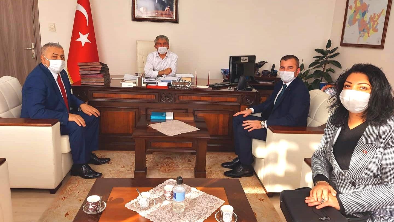 MHP Adapazarı İlçe'den Kaymakam Çelikkaya'yı ziyaret etti