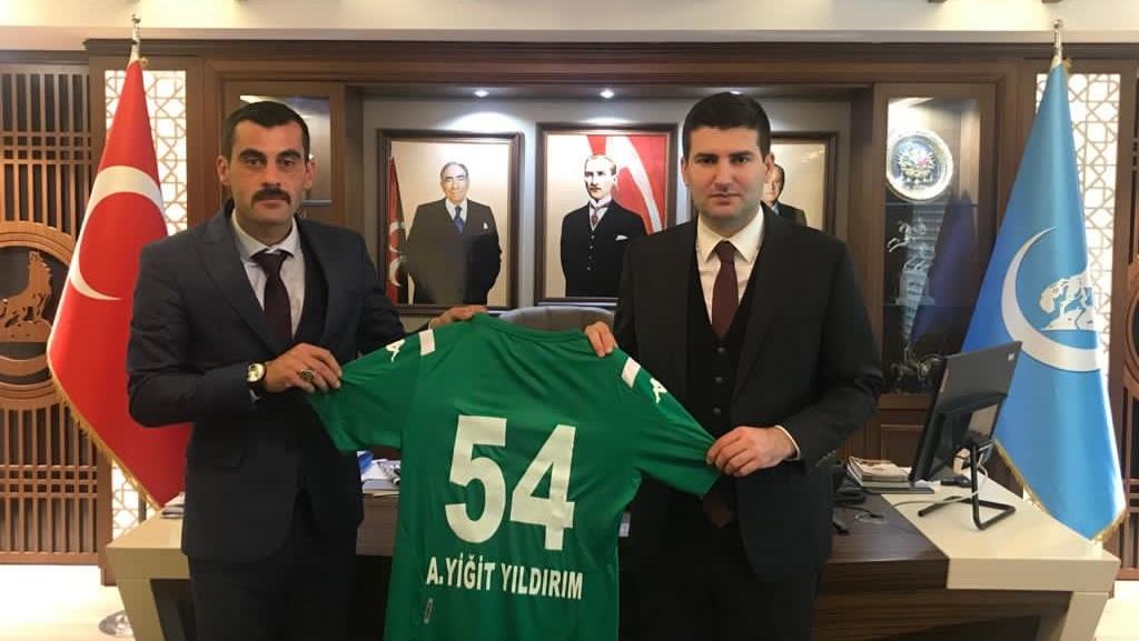Sakarya Ülkü Ocakları Başkanı Soyhan Sofuoğlu'ndan, Ülkü Ocakları Genel Başkanı Ahmet Yiğit'e ziyaret…