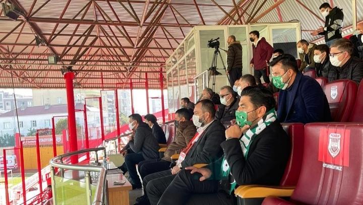 Uğur AKKUŞ, Sakaryaspor'un 2-0 yendiği Pendikspor maçını stadda izledi…