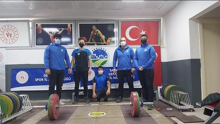 Sakarya Büyükşehir'li halterci Türkiye Şampiyonu oldu