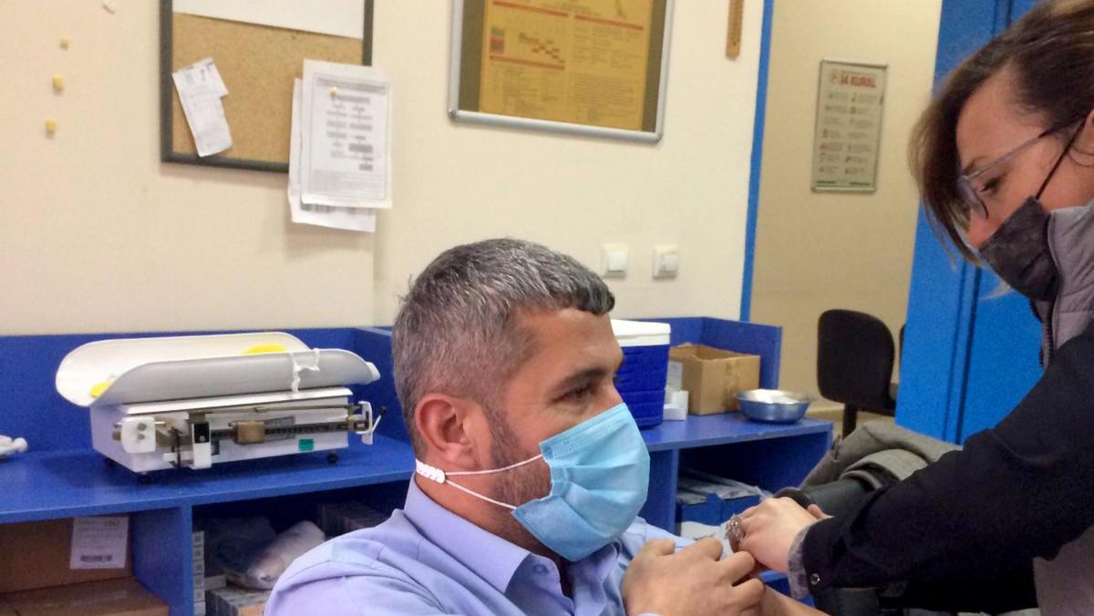 Büyükşehir Tıp Merkezi sağlık çalışanları CoronaVac aşısı oldu