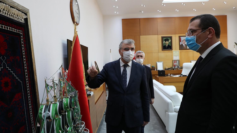 """Başkan YÜCE: """"Sakarya'yı hep birlikte geleceğe hazırlıyoruz"""""""