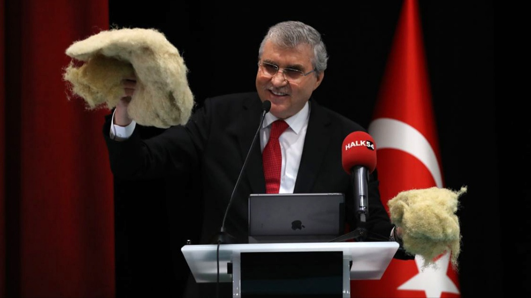 Başkan YÜCE; Sakarya Büyükşehir ürünlerini mecliste tanıttı