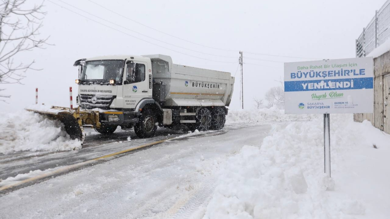 51 mahalle yolu ulaşıma açıldı