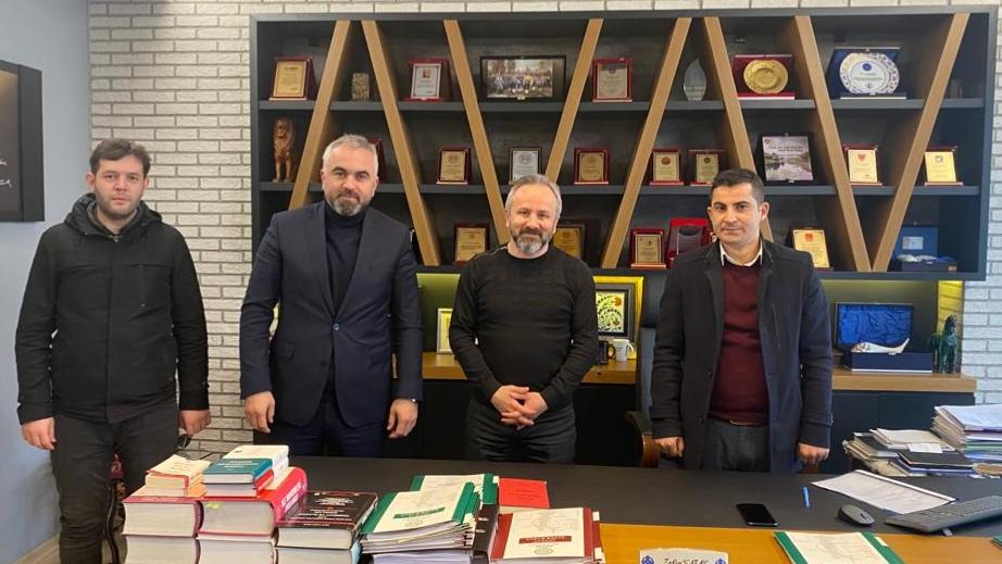 Karabaş eski siyasetçileri unutmadı