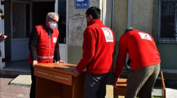 SAÜ yurtlarından Türk Kızılayı'na önemli bağış