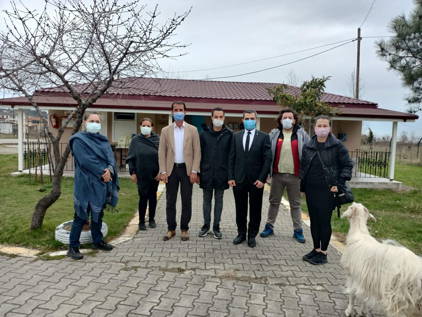 DEVA Partisi Adapazarı'dan çocuk esirgemeye anlamlı ziyaret