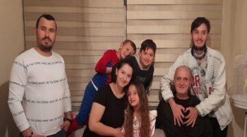 Öztaş Ailesi'nin ilk göz ağrısı Masal'a sürpriz doğum günü
