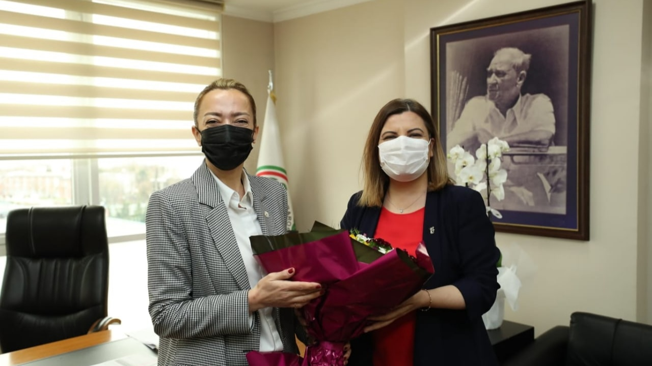 Hürriyet'ten Candemir'e kutlama