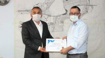 Arifiye Belediyesi'nde personele teşekkür belgesi verildi