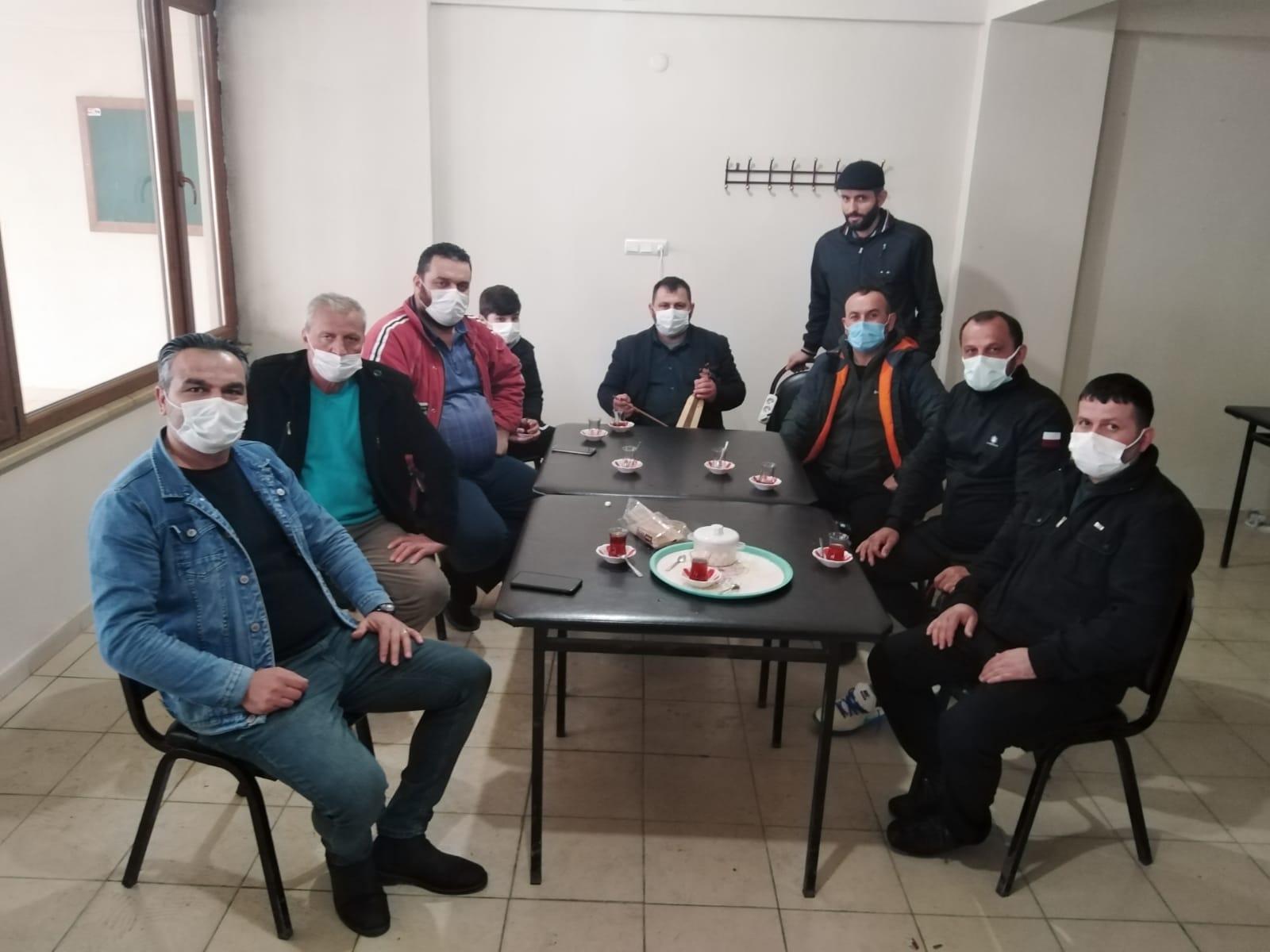 Eskimeyen dostlar Karaçam'da bir araya geldi