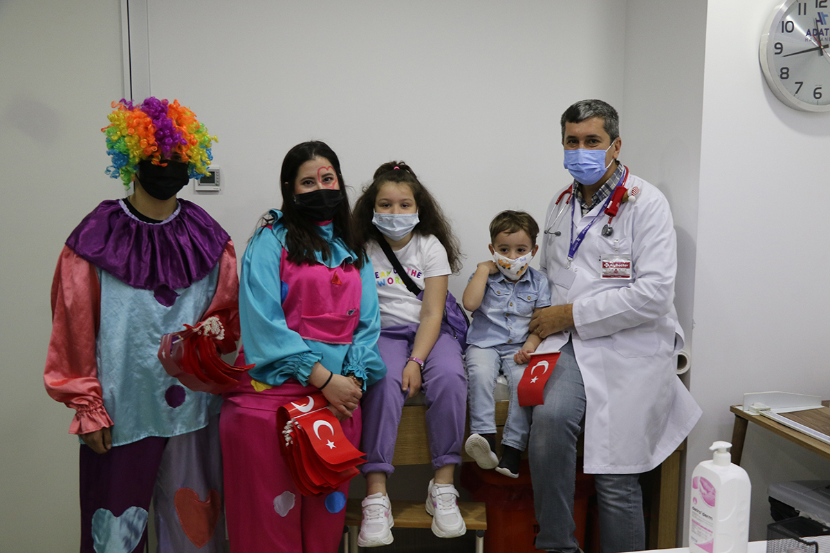 Özel Adatıp Hastanesi'nde 23 Nisan coşkusu
