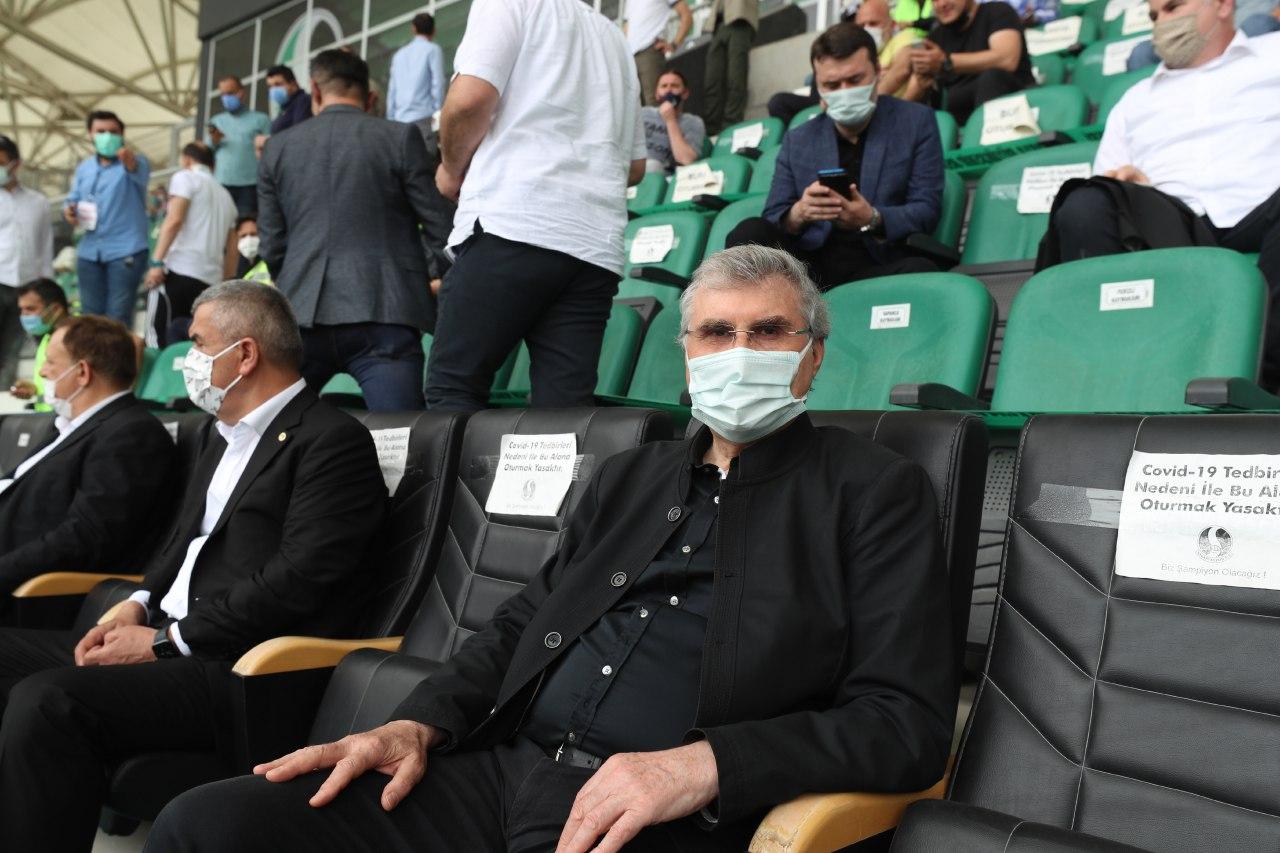 """YÜCE: """"Sakaryaspor'un üst lige çıkacağına inanıyoruz"""""""