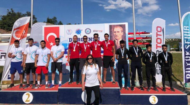 Sakarya Büyükşehir'in kanocuları Eskişehir'de tarih yazdı