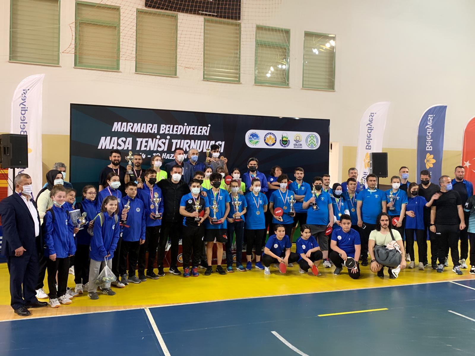 Masa tenisi turnuvasında kazanan Sakaryalı sporcular oldu