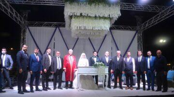 Mükerem Koç oğlu Ahmet Koç'umuhteşem bir düğünle evlendirdi