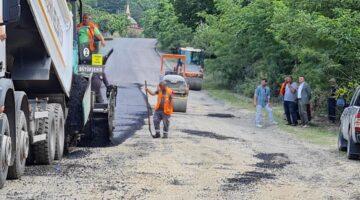 Hacı Mercan ve Fevziye asfalta kavuştu