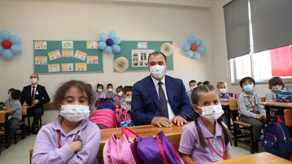 İlköğretim Haftası Kutlama Programı Ali Dilmen İlkokulunda yapıldı
