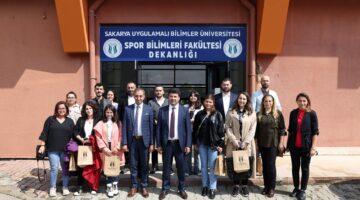Rektör Sarıbıyık SUBÜ mezunu basın mensupları ile buluştu