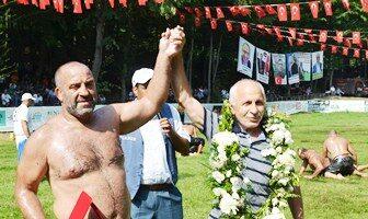Başpehlivan Mahmut Kavakçı Basın Toplantısı Düzenliyor