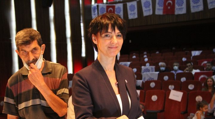 Memleket Partisi Sakarya İl Başkanı Fatma Kurtuluş'tan Gazeteciler Günü mesajı